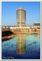 Reflejo de la Torre del Agua