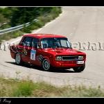 Rafael Garcia con un Seat 124